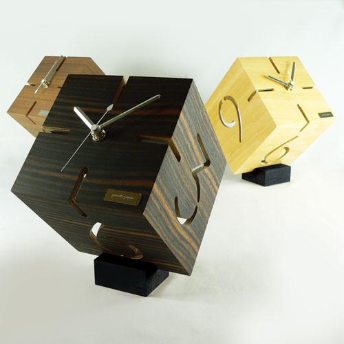 アートな木製時計,ダイス,三つ並べて
