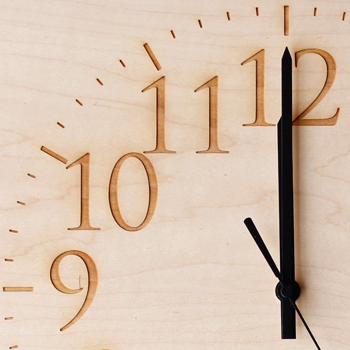 無垢板の時計 | MUKU | ヤマト工芸 | メイプル | 文字盤アップ