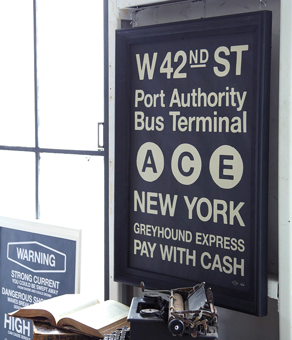 キャンバスポスターのアートパネル,ニューヨークの路線バス案内がモチーフ