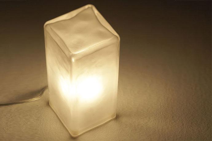 フロスティ,ブロックランプ,優しくあたたかい灯り,見ているだけで癒さる