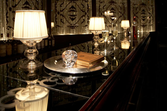 ビクトリアグラススタンド|テーブルランプ|上品なクラシカルさを持つ照明
