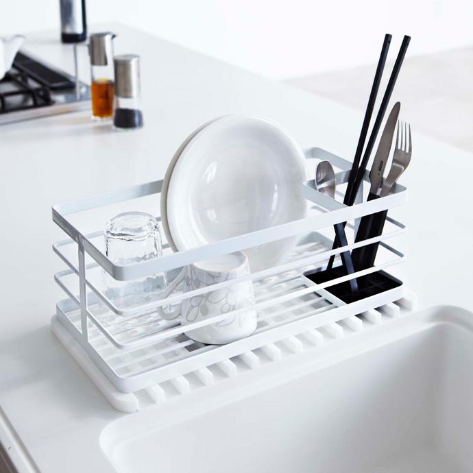 省スペースな水切りトレー | 洗い物カゴの下にも使えます