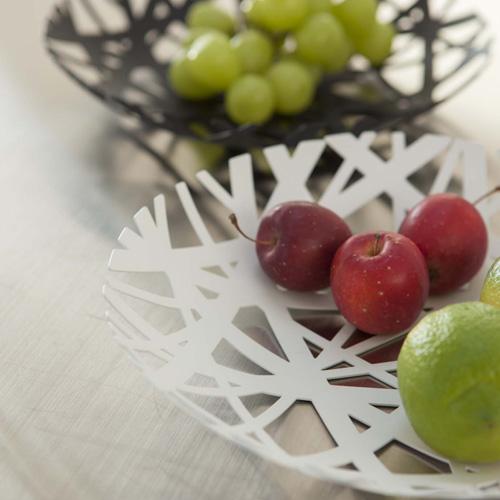 スタイリッシュなフルーツボウル ホワイト 食卓の真ん中に置きたくなるデザイン