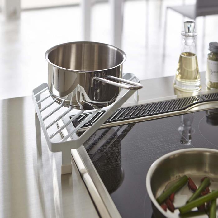 スペース活用,コンロコーナーラック,ホワイト,お鍋のちょい置きに便利