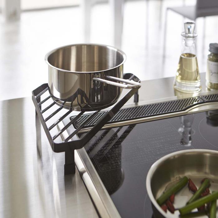 スペース活用,コンロコーナーラック,ブラック,お鍋のちょい置きに便利
