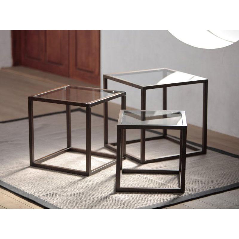 ガラス天板のネストテーブル/ブラウン