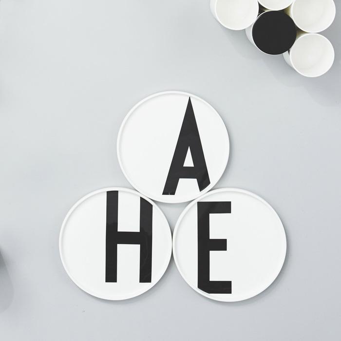 DESIGN LETTERS,Porcelain Plate,美しいタイポグラフィがデザインされたプレート