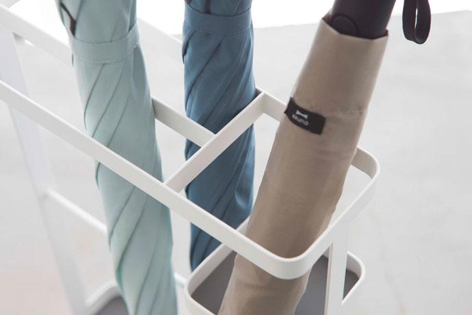 折り畳み傘用ポケットがついた傘立て | 仕切り付きで取り出しもスムーズ