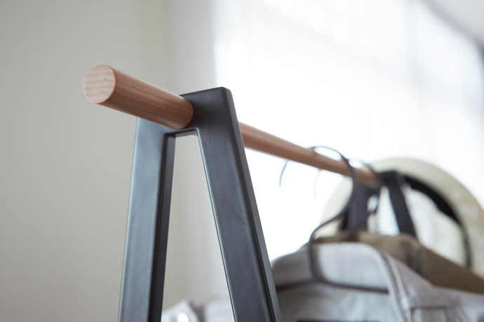 棚付きのコートハンガー | 長く使える丈夫な安心素材