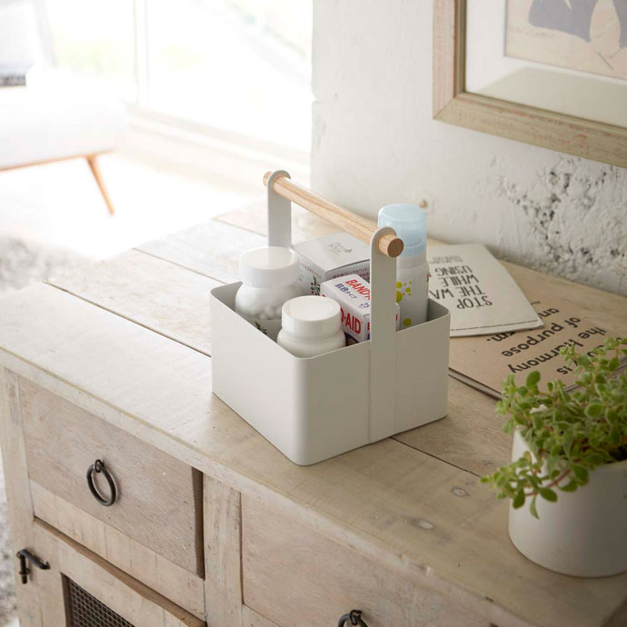 白いハンディツールボックス | チェストの上にSサイズ
