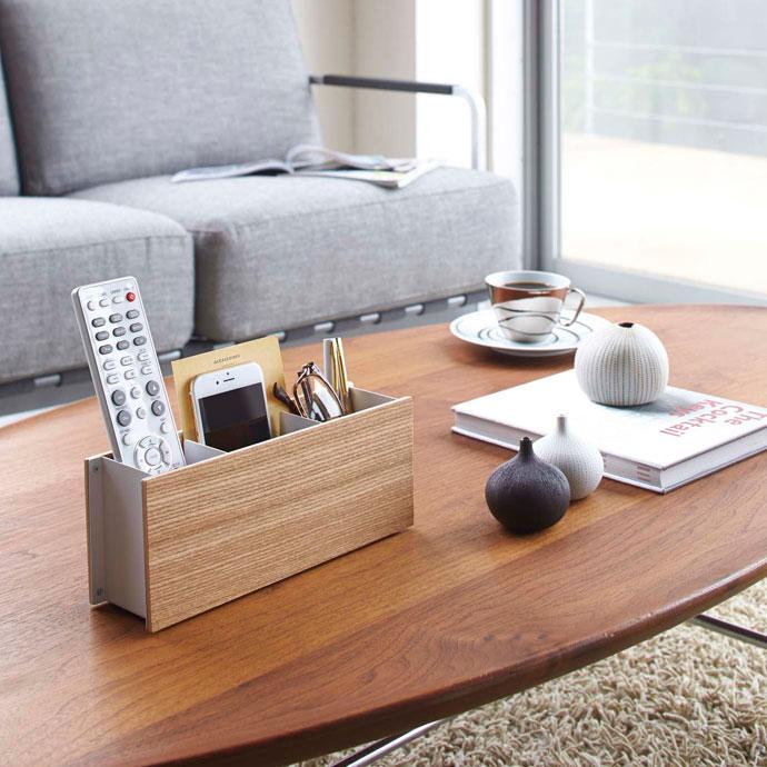 やさしい木目のペン&リモコンラック | 定位置が決まるとテーブルがスッキリ
