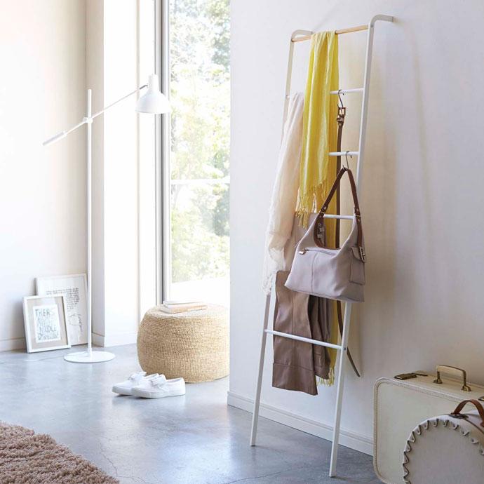 シンプルなラダーラック | はしごを模したデザイン