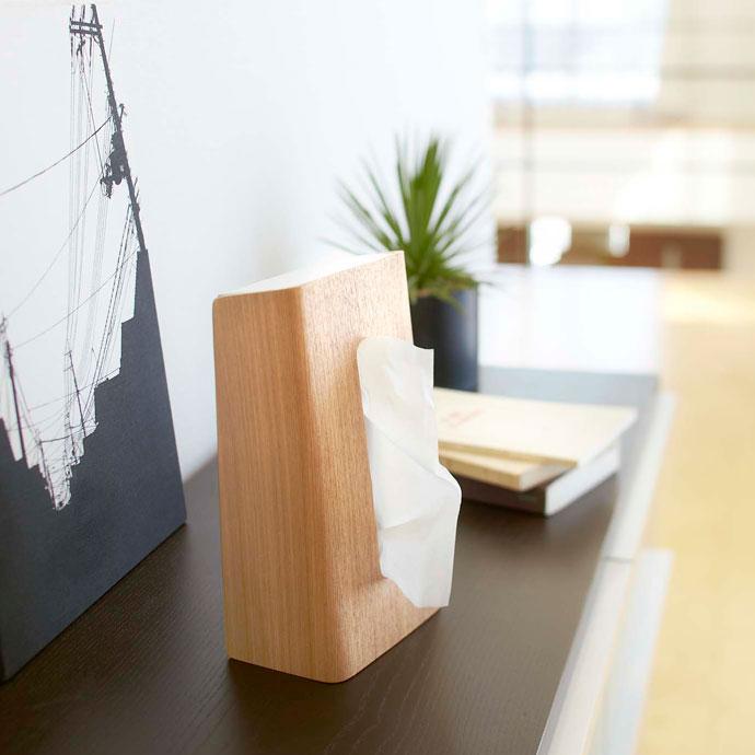 やさしい木目の縦置きティッシュボックス | インテリアの完成度を上げるティッシュボックス