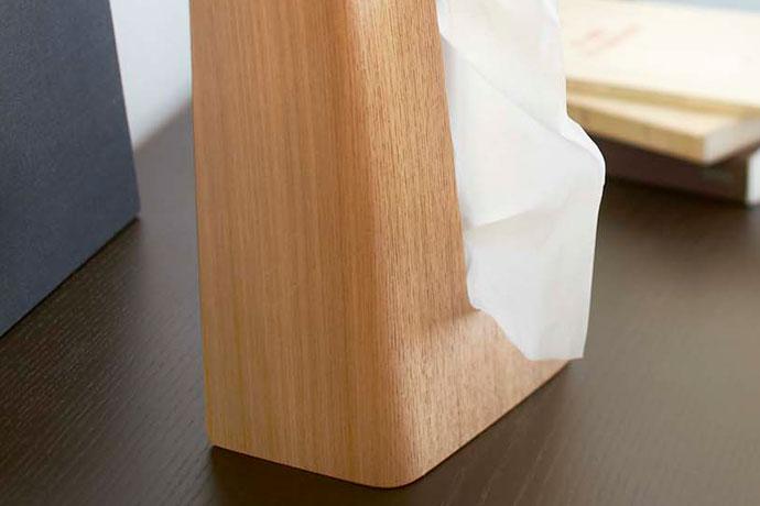 やさしい木目の縦置きティッシュボックス | やわらかなカーブ | オブジェのような佇まい