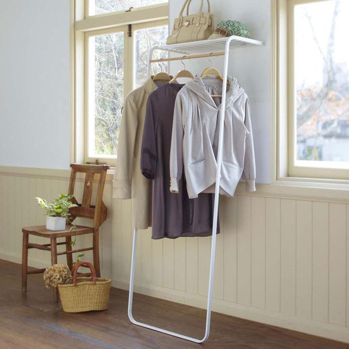 シェルフ付きのコートハンガー | お部屋を広く見せるホワイト