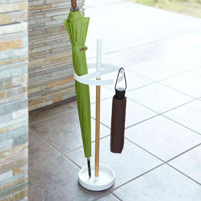 シンプル設計のアイデア傘立て | 玄関が洗練された印象に