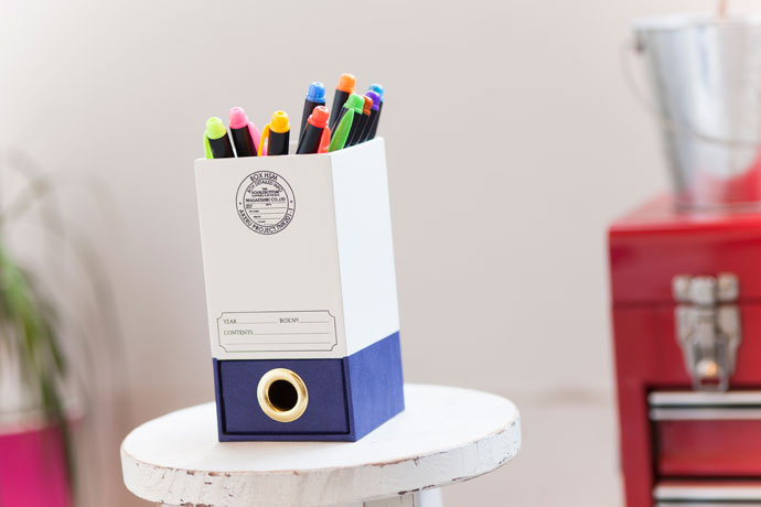 こだわりの紙製ペンスタンド,センスの良さを感じさせてくれる佇まい