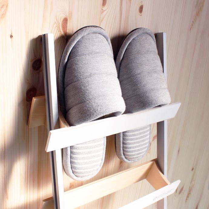 はしごのような木製スリッパラック | ladder rack | ヤマト工芸 | 高級感を損なわない
