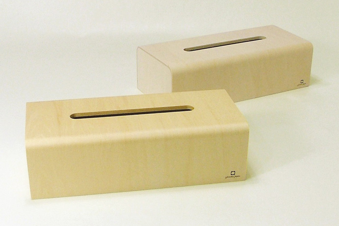 曲げ木カーブが美しいティッシュボックス | NATURE BOX | ヤマト工芸 | 表面にはウレタン塗装
