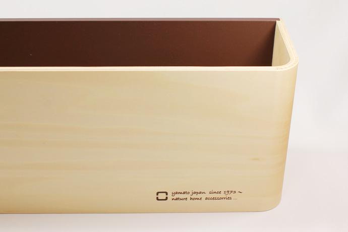 曲げ木カーブが美しいスリッパラック | U SLIPPERS | ヤマト工芸 | 上質感漂う滑らかな表面
