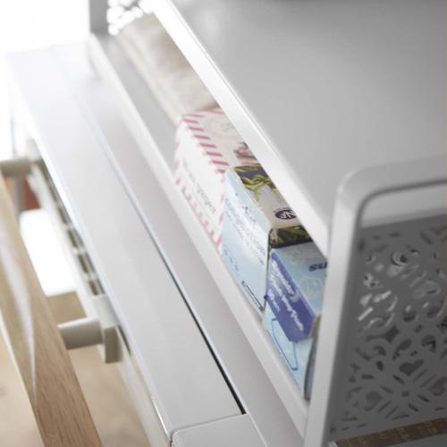 ラップやクッキングシート、布巾などを収納するのに便利