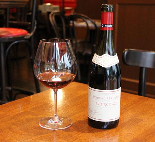 ピノ・ノワール フルボディで力強いワインが合うワイングラス