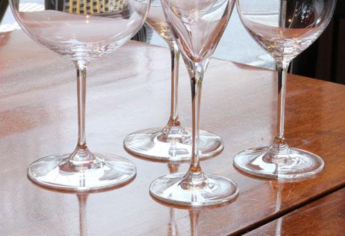 ワイングラスの脚部分