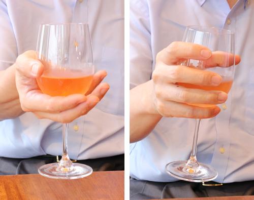 やってしまいがち?誤ったワイングラスの持ち方