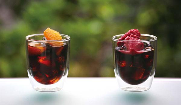 ひと手間加えるだけで簡単に作れるデザートドリンク オレンジアイスコーヒー・ベリーアイスコーヒー