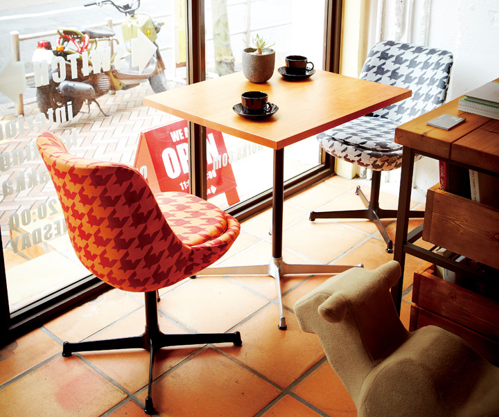 カラフル&ノスタルジック・カフェ